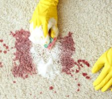 How to remove blood stains from the carpet