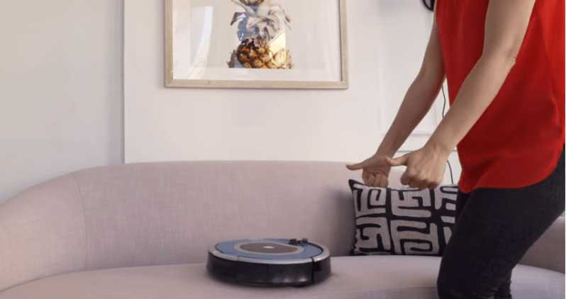 How does a Roomba work